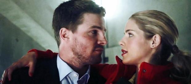 Oliver y Felicity preparan su boda
