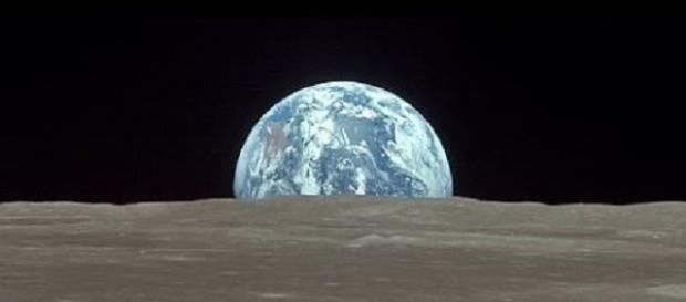 Strange music from the Moon - Google Images