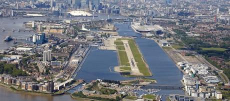 London City Airport, a 10km do centro de Londres.
