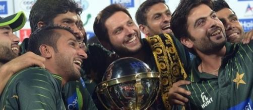Afridi and team at the Asia Cup (Twitter)