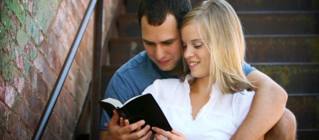 Sites de namoros evangélicos crescem no país