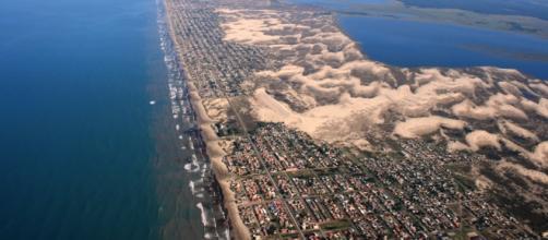 Vista aérea da cidade de balneário Pinhal, RS