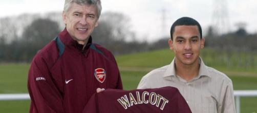 Walcott & Wenger (courtesy of Arsenal.com)