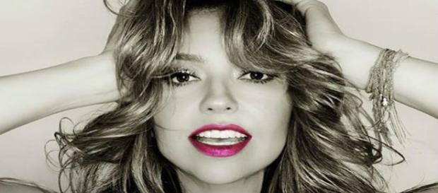 Capa do novo álbum da mexicana Thalia