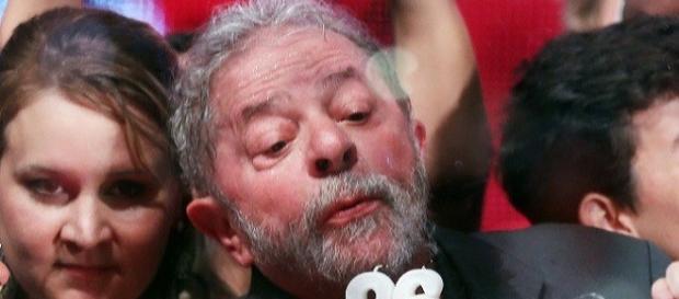 Lula admite ser dono do sítio em Atibaia