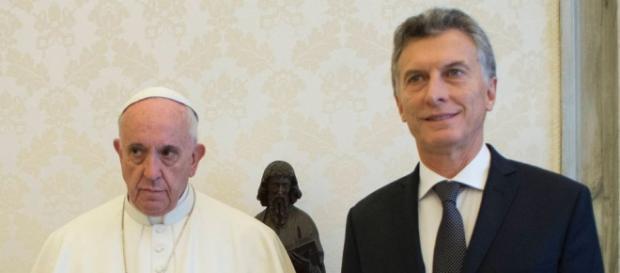 un gesto poco común en el Papa Francisco