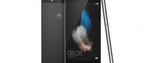 Anche lo smartphone Huawei P8 è in offerta