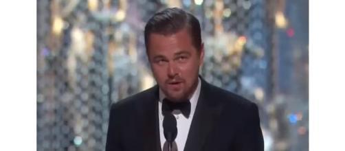 Leonardo DiCaprio durante el discurso en los Oscar