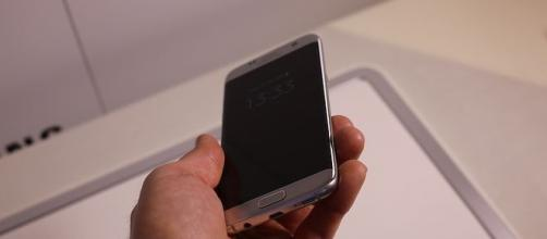 Samsung S7, arrivano i modelli in oro e platino