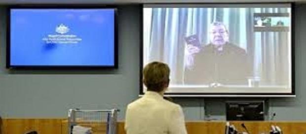 Il cardinal Pell in video conferenza