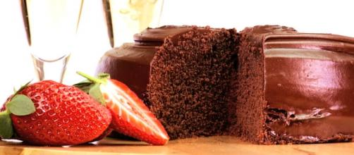 Chocolate Cake and Brachetto (Libiamo)