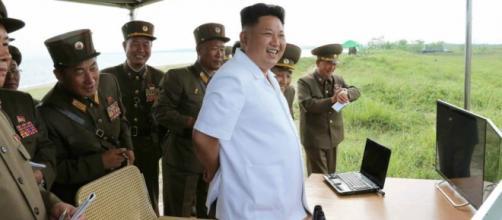 Kim Jong- un listo para lanzar un cohete espacial