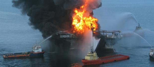 Il prezzo del petrolio scende, ricavi in fumo
