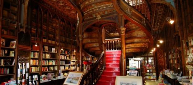 """""""Noite de Feitiços"""" na livraria Lello & Irmão."""