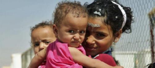 Joven mama en uno de los campamentos de refugiados
