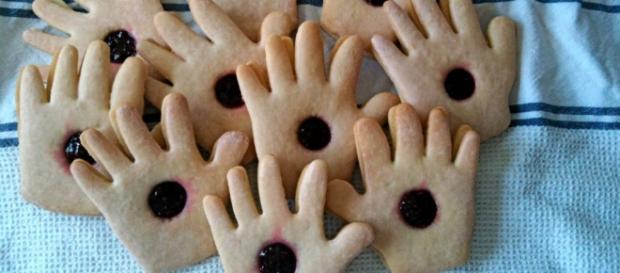 Ecco i famigerati biscotti di Padre Pio.