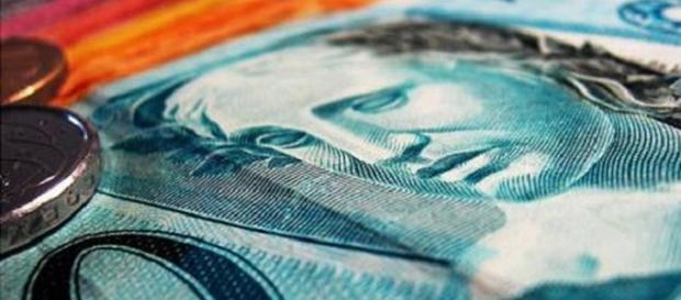 Governo fecha acordo com bancos e vende pagamento