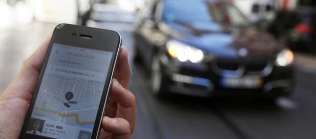 Uber avança 30% ao mês no Brasil