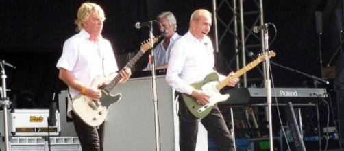 Status Quo to stop 'electrics' tours in future