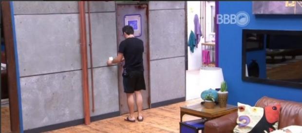 Alan deixa o BBB16 (Reprodução/Globo)