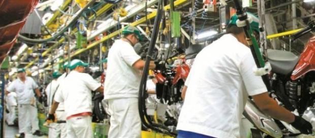 Produção industrial teve recuo de -8,3%
