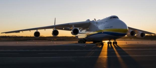 Antonov AN-225 Mriya, o maior avião do mundo