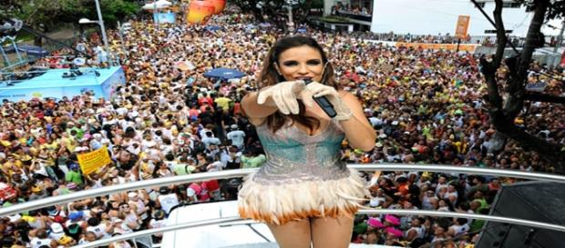 Ivete Sangalo comanda a festa em Salvador