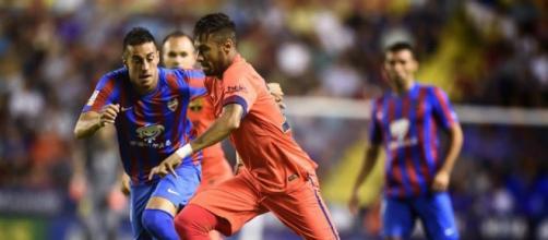 Neymar em ação frente ao Levante