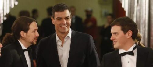 Políticos en la pasarela de los Premios Goya.