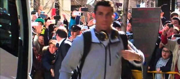 Cristiano Ronaldo en su llegada a Granada