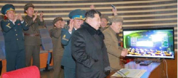 KIng Joun celebrando el lanzamiento