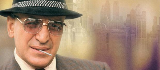 Telly Savalas interpretando o detetive Kojak