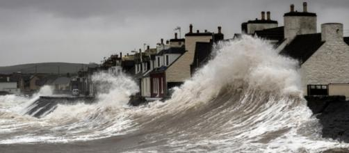 Storm batters UK/geograph.org.uk