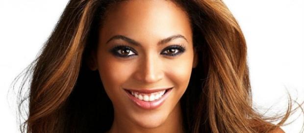 Beyoncé wows crowd (Wikimedia)
