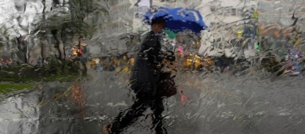 Muita chuva, ventos fortes e trovoada