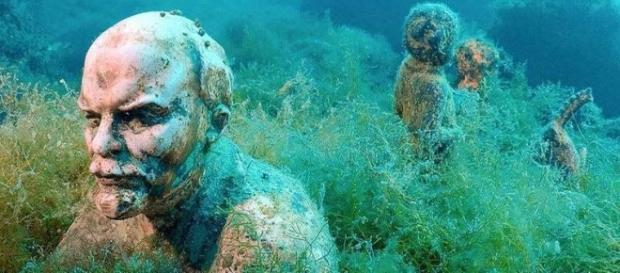 Beco dos Líderes, museu submerso na Criméia