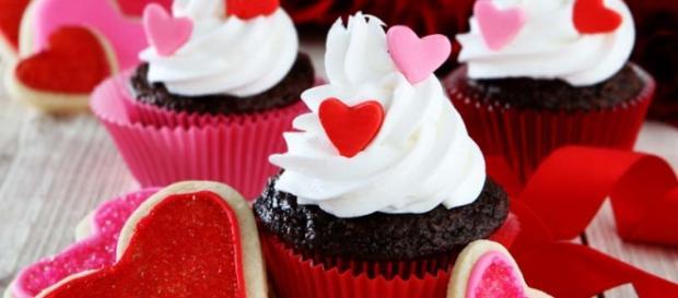 Buonissimi cupcake di San Valentino al cioccolato.
