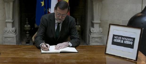 Rajoy firma las condolencias por 'Charlie Hebdo'.