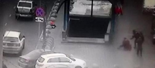 Mosca, frame di un video della donna arrestata.