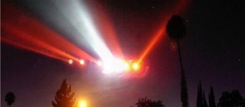 Suposto OVNI sobre Central Park nos EUA