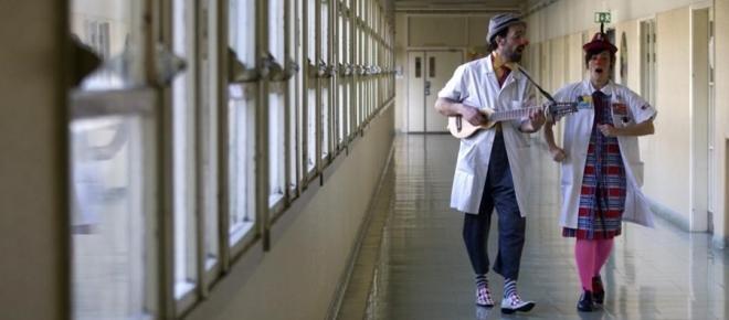 Doutores Palhaços ajudam crianças a suportar melhor a dor