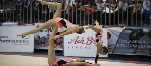 Competição de ginástica acrobática 2016
