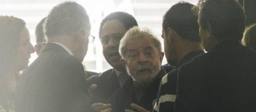 Lula xinga Lava Jato e espera desculpas da Justiça