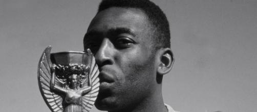 Pelé pretende que seu legado seja compartilhado