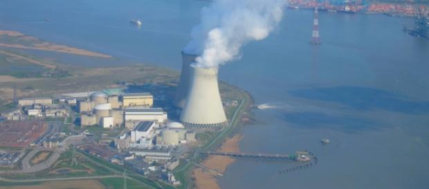 Centrale nucleare evacuata al confine con la Germania