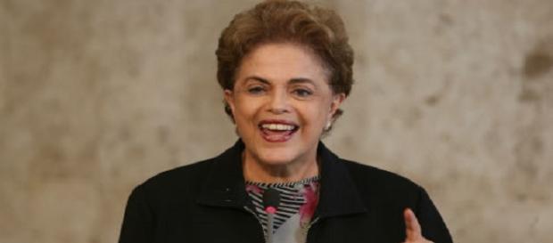 Dilma diz que não renuncia o cargo