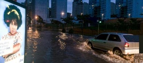 Chuva causa estragos em São Paulo