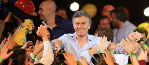 Macri vino para sus negociados y entregar el país