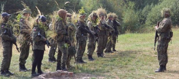 Obrona terytorialna uczy się strzelać. Do kogo?
