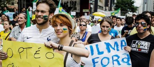 Brasileiros e estrangeiros devem protestar